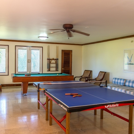 Sea-Glass-downstairs-games-room