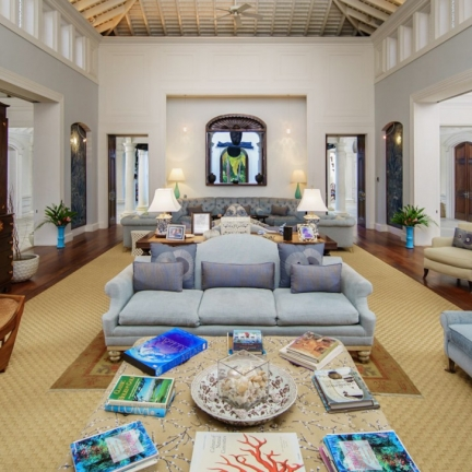 Twin-Palms-drawing-room-wide