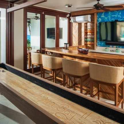 Aqua-Bay-bar-new
