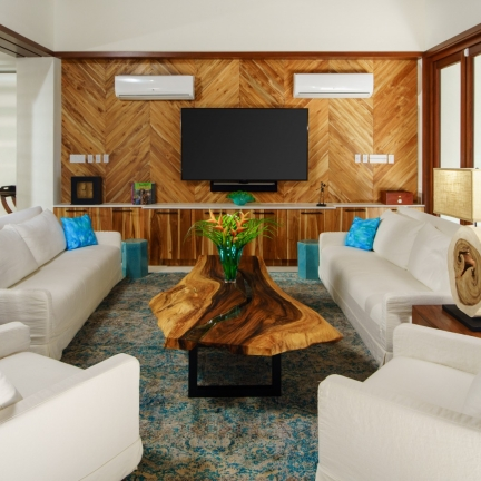 Aqua-Bay-living-room