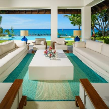 Aqua-Bay-veranda