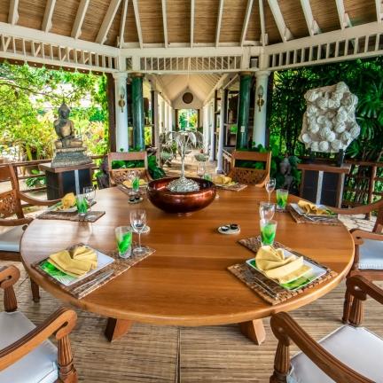 Bali-Hai-dining-gazebo-looking-to-entrance