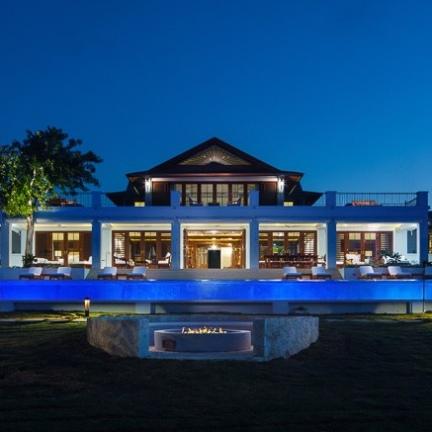 Villa-outdoor-front-night