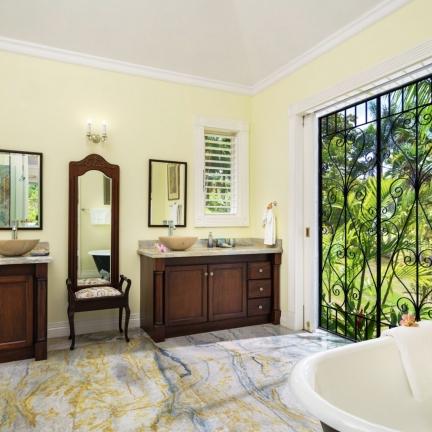 Eureka-Cottage-bathroom