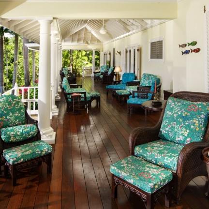 Eureka-veranda-long-view