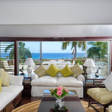 Fairwinds-sitting-room-ful-ocean-view