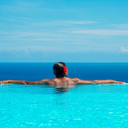 Harmony-Hill-Paula-in-the-pool