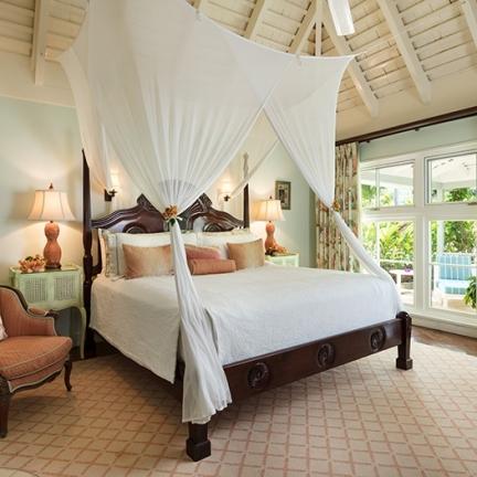 Little-Hill-bedroom-2