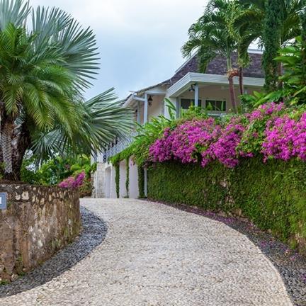 Little-Hill-driveway