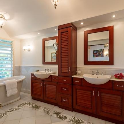 Little-Hill-master-bedroom-bathroom