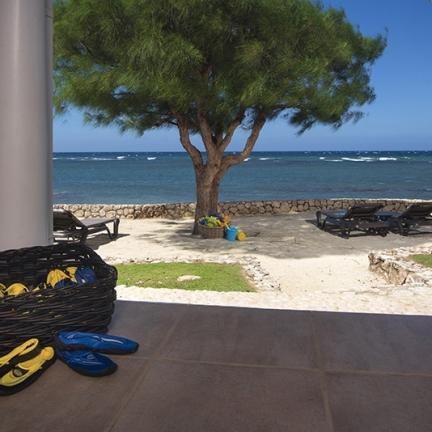 Phoenix-beach-with-footwear