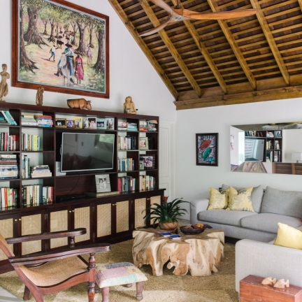 Reef-House-library