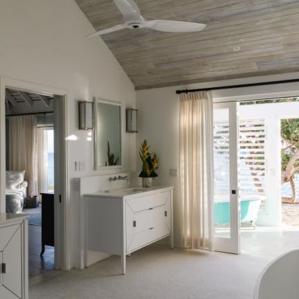 Reef-House-master-vanities