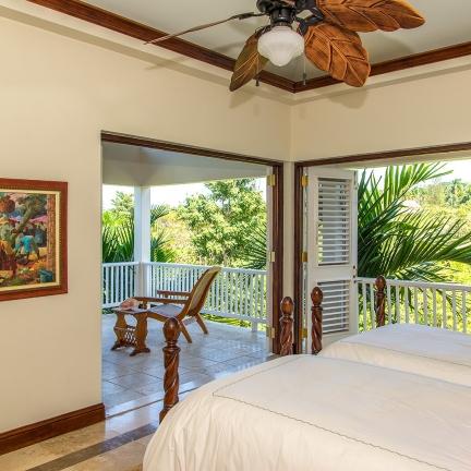 Sea-Glass-guest-bedroom