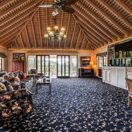 Sundance-master-suite-sitting-room