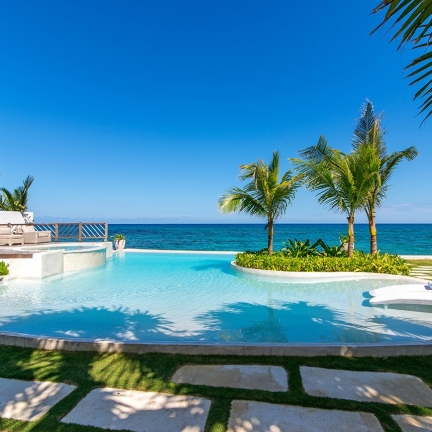 Tradewinds-new-pool-with-ocean