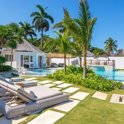 Tradewinds-new-villa-to-pool-RH