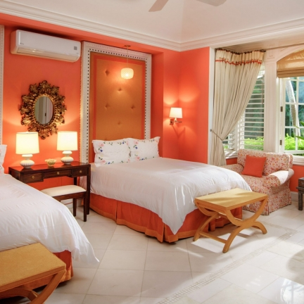 Twin-Palms-South-Suite-bedroom-double-beds