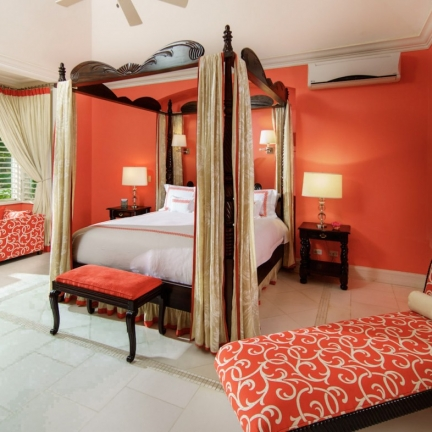 Twin-Palms-South-suite-bedroom-king-bed