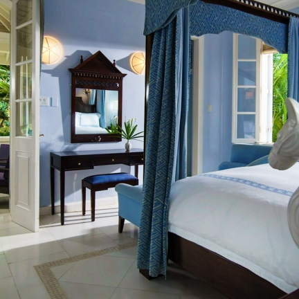 Twin-Palms-master-suite-blue-bedroom