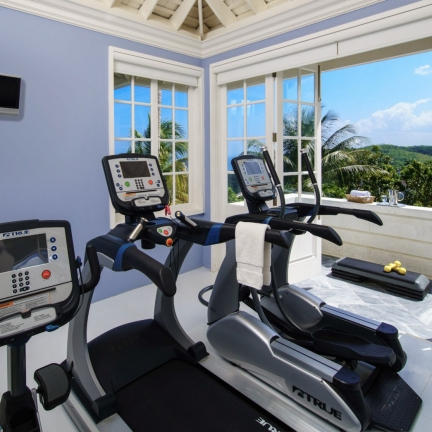 Twin-Palms-master-suite-gym