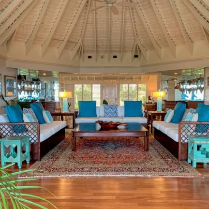 Villa-Stella-Sitting-Room-Looking-In