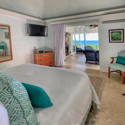 Villa-Stella-Upper-bedroom-2
